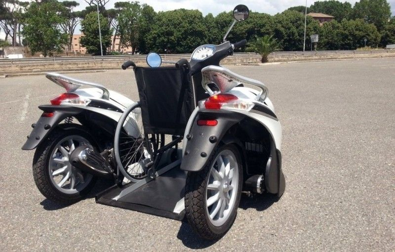 hyper-division-hdx3-mobility-the-wheelchair-friendly-scooter-video_4