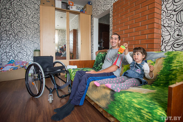 Рамис женат на белоруске, у них двое детей. Сын Кирилл окончил третий класс, дочь Ульяна ходит в садик