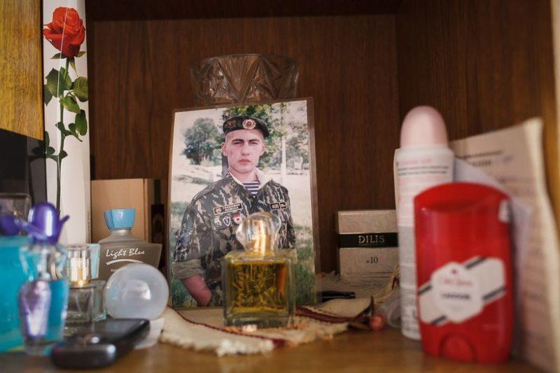 До трагедии Денис успел отслужить в армии - в Печах.Фото: Ольга Шукайло, Имена.