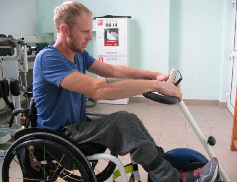 Велотренажер - одно из самых важных реабилитационных устройств для инвалидов-колясочников