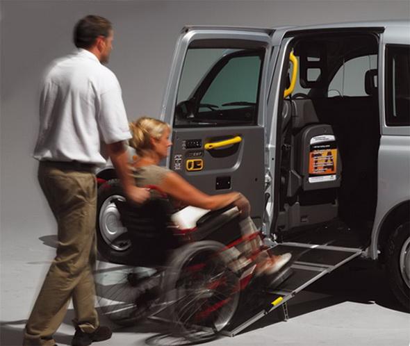 <!--:ru-->В Могилеве сотрудников транспортных компаний учили помогать инвалидам-колясочникам<!--:-->
