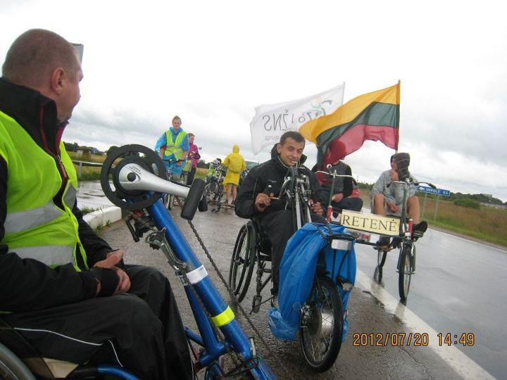В Литве в г.Пакруйск (Pakruojis) с 19 по 22 июля прошёл марафон среди инвалидов колясочников на колясках с велоприставками.