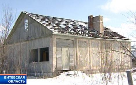 Пока женщина-инвалид лежала в больнице, строители снесли ее дом вместе с бесхозными постройками