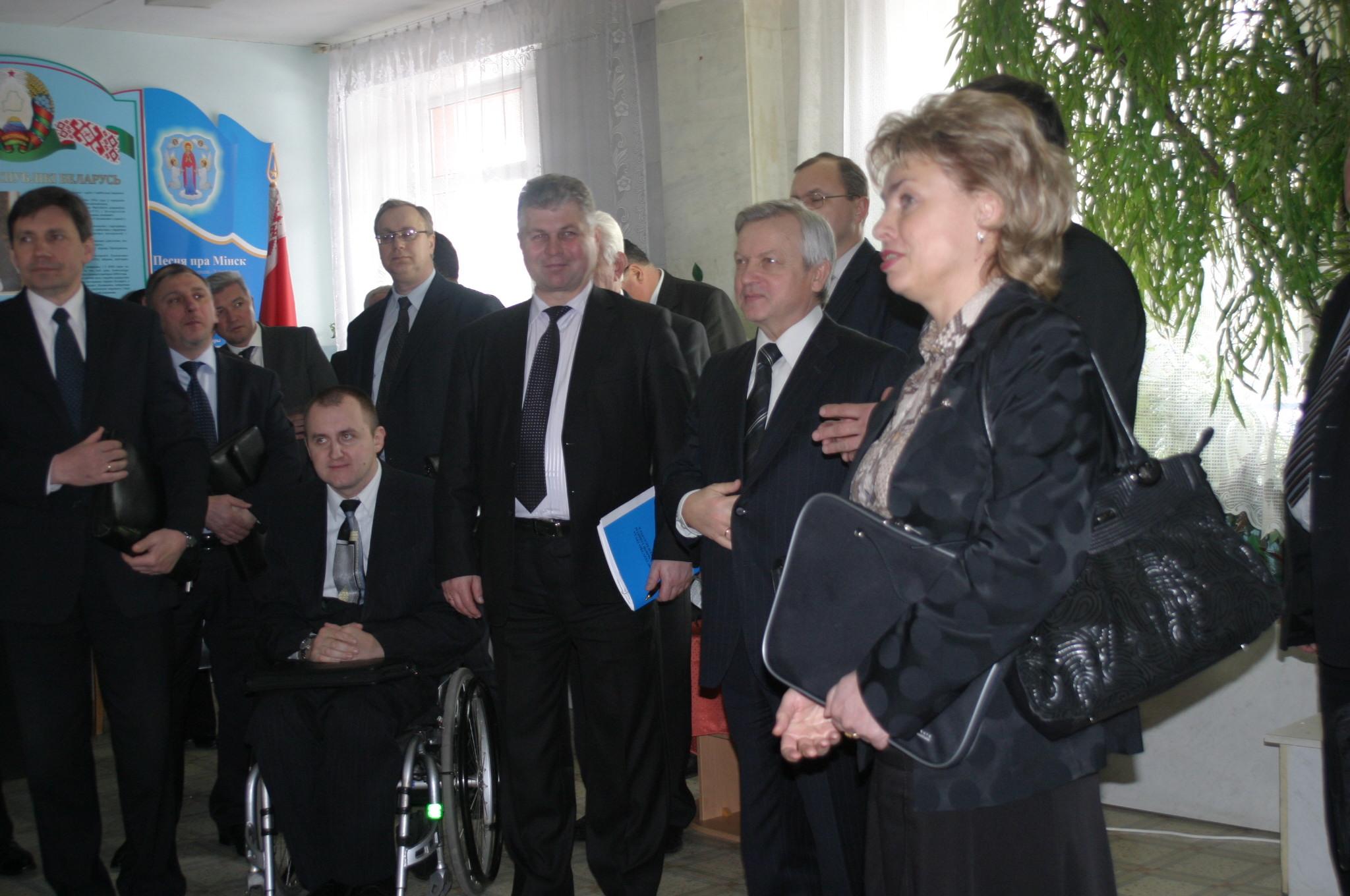 Состоялось заседание Республиканского межведомственного совета по проблемам инвалидов под председательством Анатолия Тозика
