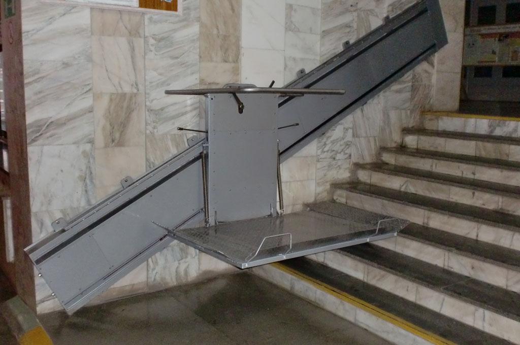 Проект по установке подъемников в подъездах инвалидов-колясочников стартовал в Беларуси