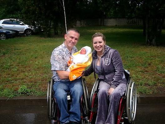 МОО ОО «Республиканская ассоциация инвалидов-колясочников» ищет мам для участия в фотопроекте «Материнство без границ»!