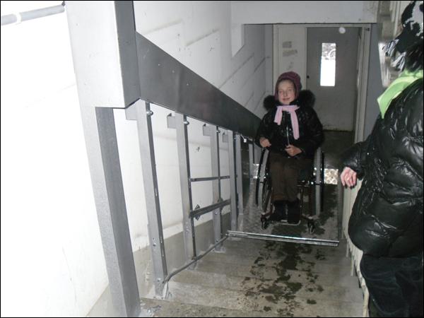 Семья девочки-инвалида добилась от чиновников исполнения закона
