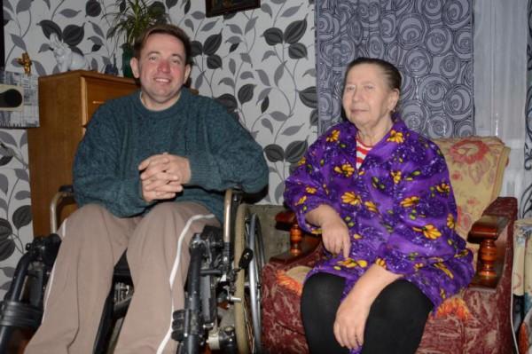 Сергей вместе с матерью
