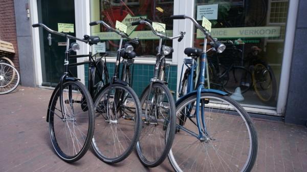 Хороший б/у велосипед в Голландии может стоить в районе 100 евро.