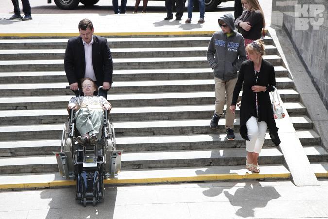 Как мы проверяли подъемник для инвалидов в метро: 47 минут и один скандал, чтобы попасть на станцию