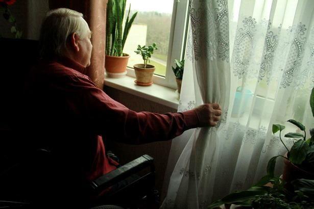 Осень и зиму Богуслав Домениковский проводит взаперти в своей городской квартире. Фото Intex-press/Людмила Прокопова