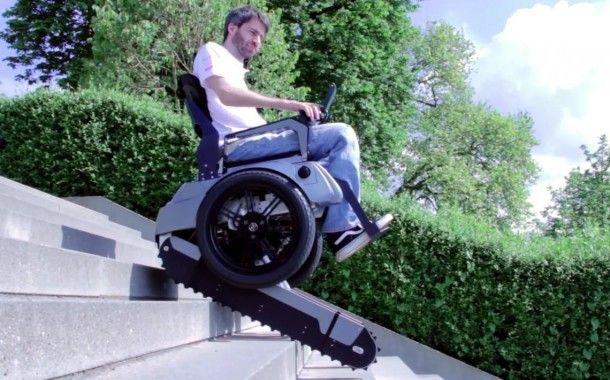 Жизнь прекрасна: инвалидное кресло, которому не страшны бордюры, лестницы и прочие преграды