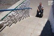 Инвалиды-колясочники Светлогорска рассказали, почему годами не выходят на улицу