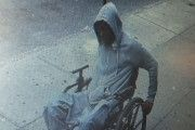 Инвалид - колясочник ограбил банк в Нью-Йорке