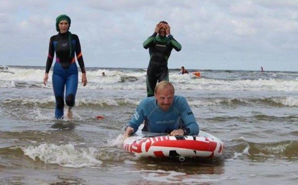 Инвалид-колясочник: Я никогда не думал, что покатаюсь на сёрфинге!