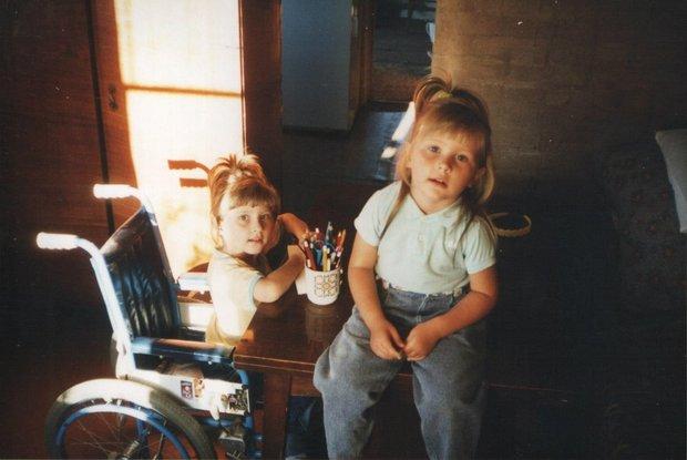 Александра с сестрой Еленой