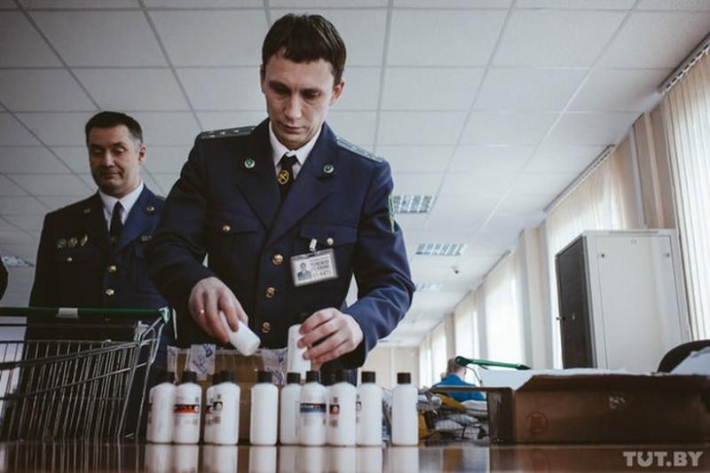 posylki_tamozhnya_aeroport_vas_tutby_phsl_18022016_img_0250