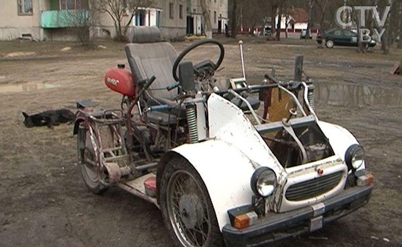 Инвалид - колясочник своими руками собрал автомобиль, трактор и лифт