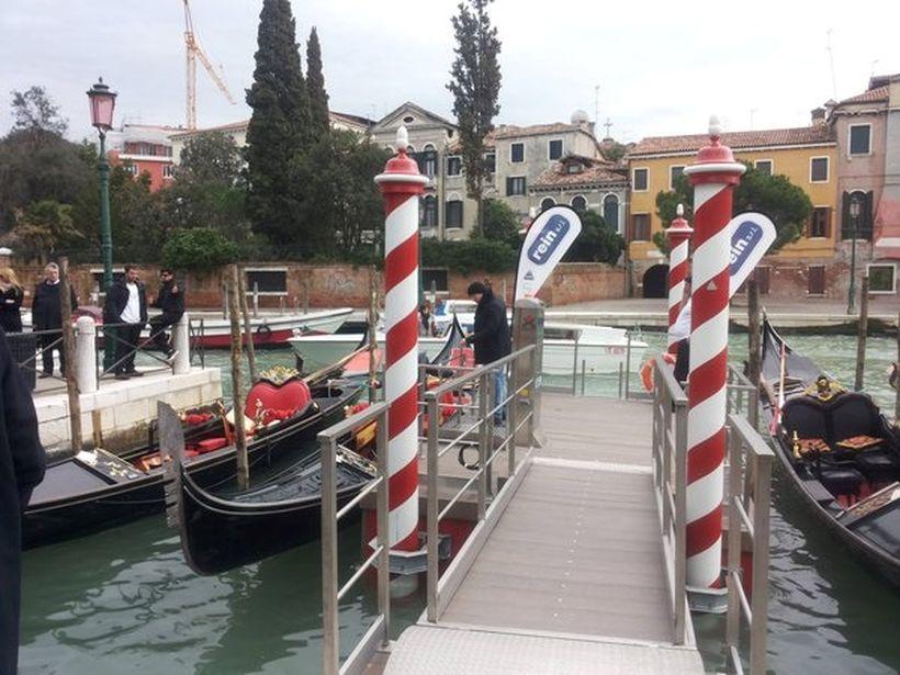 Венецианские гондолы адаптировали для колясочников