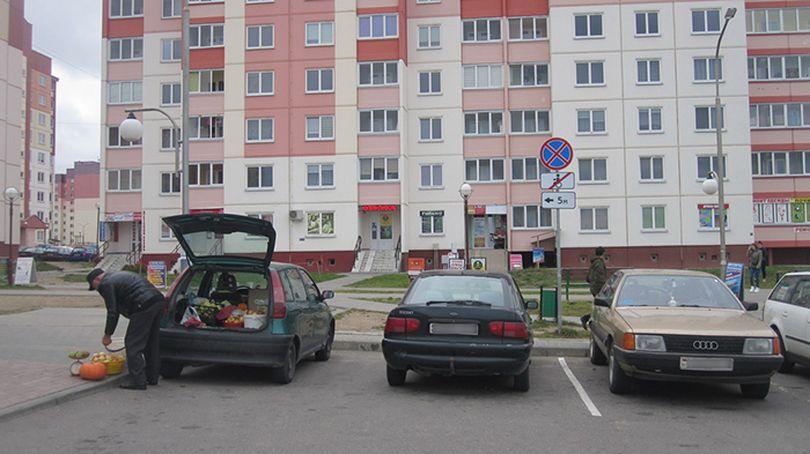 Прокуратура Гродно проверила парковки для инвалидов возле социально значимых объектов