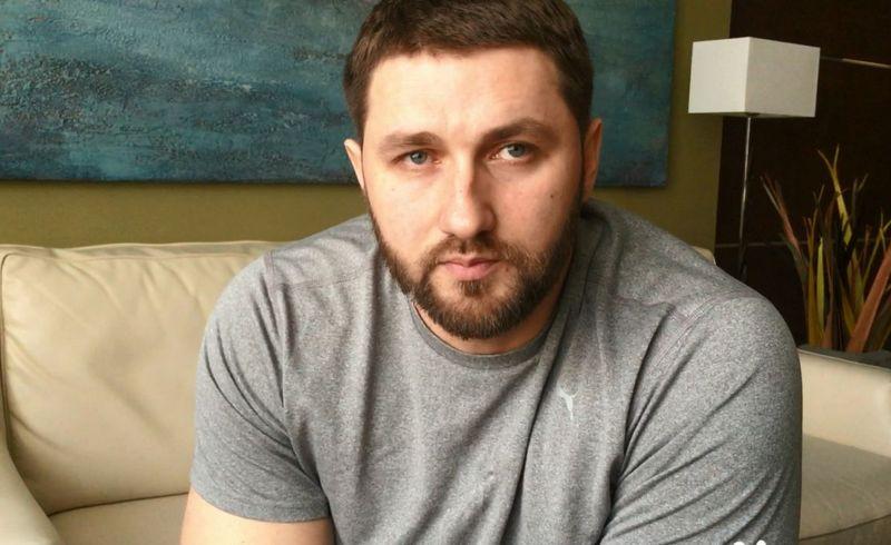 Паралимпиец об инциденте в аэропорту в Чебоксарах: Чтобы меня не спускали как багаж, пришлось выбираться на руках