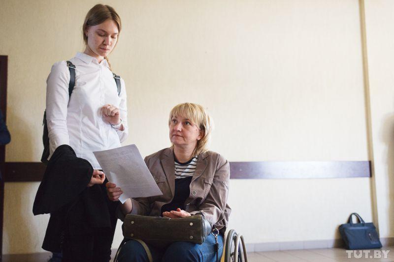 Чиновники хотят разлучить мать-инвалида и дочь: 18 лет есть, не инвалид — пусть выселяется