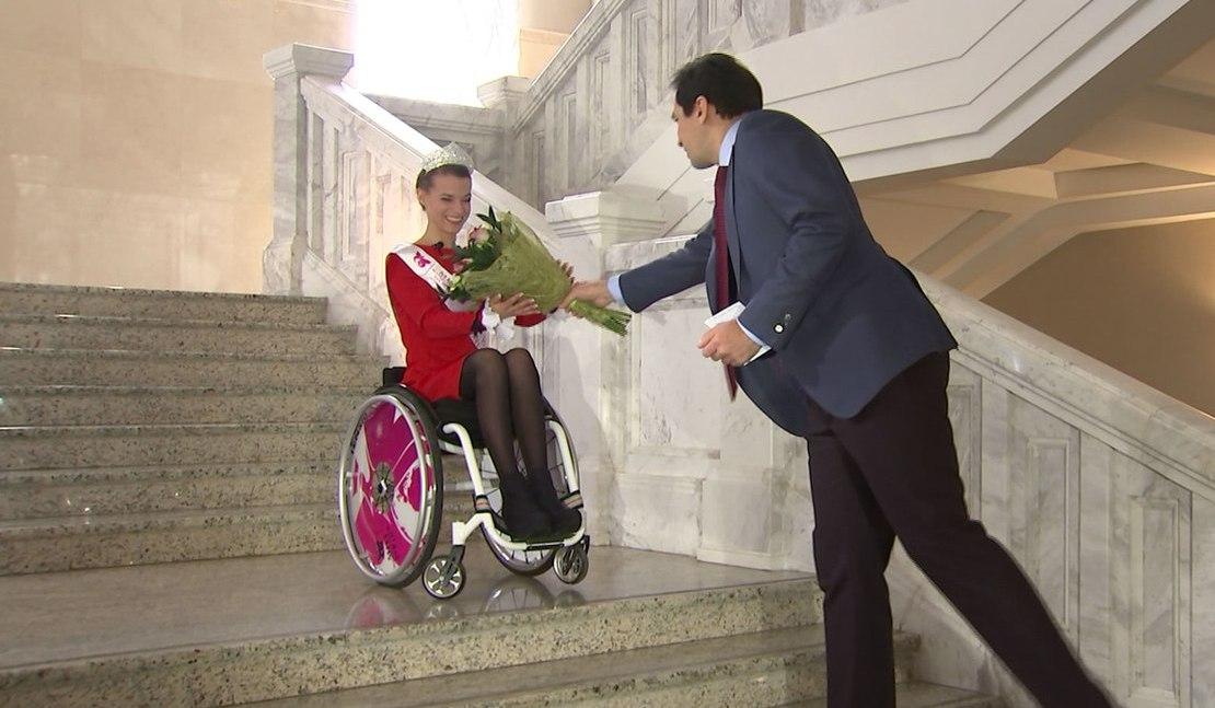 «Ты можешь быть красивой! Ты можешь самореализоваться»: мотивирующее интервью «Мисс мира на инвалидной коляске» Александры Чичиковой