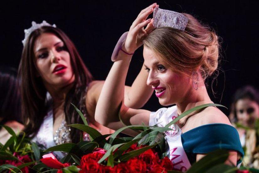 Мисс мира на инвалидной коляске Александра Чичикова рассказала, как ее не пустили в бар на Зыбицкой