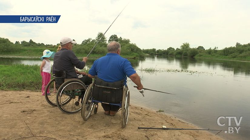 Рыбалка – часть жизни. Команда инвалидов-колясочников из Борисова победила на чемпионате Беларуси по рыбной ловле