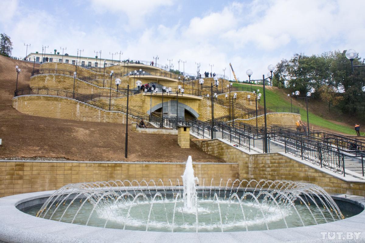 В Могилеве новая лестница не предусмотрена для самостоятельного перемещения инвалидов-колясочников