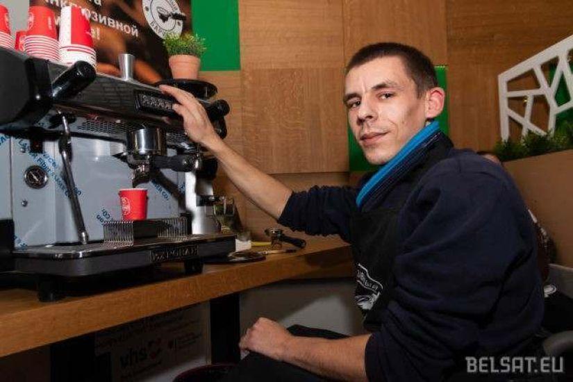 В Могилеве может появиться первое в Беларуси инклюзивное кафе. А пока можно просто попробовать кофе, который делают люди на колясках