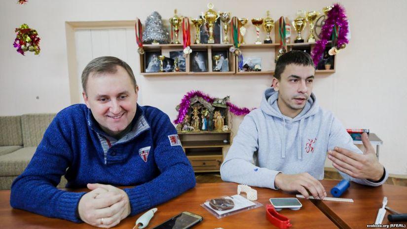 Мянчук-вазочнік стварыў стартап, каб дапамагаць людзям з інваліднасьцю