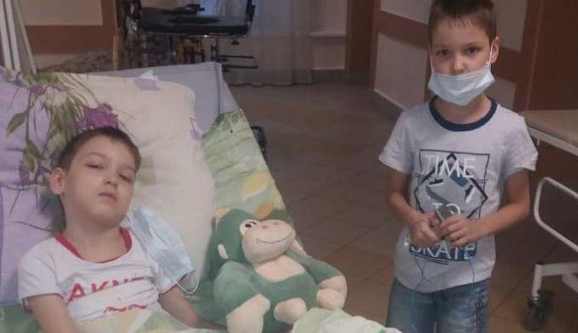 Матери двух детей с инвалидностью пришлось оплатить для них 11 мест на авиарейс Utair. СК начал проверку