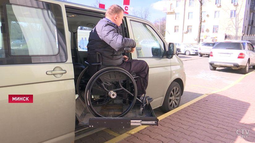 Автошколу для людей, перенесших травму шеи, откроют в Беларуси в апреле