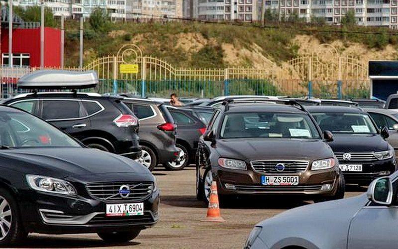 «В основном ввезены бюджетные машины». В Беларусь приехали первые иномарки по льготной растаможке