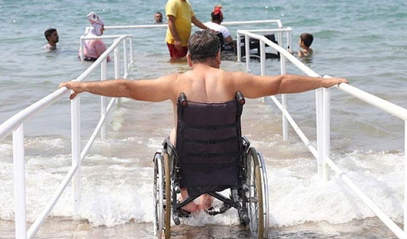 Летом на Минском море появится первый инклюзивный пляж для инвалидов-колясочников