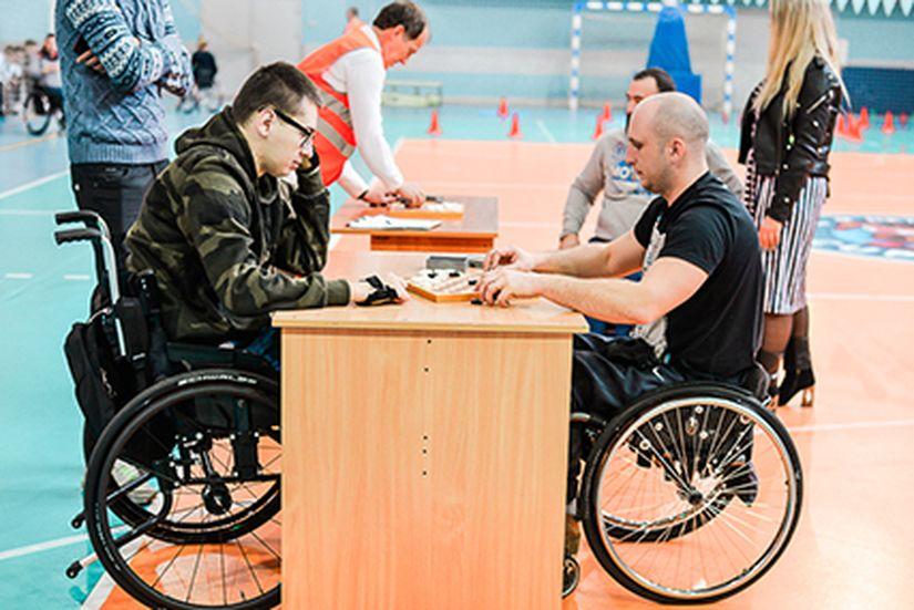 В Солигорске прошли межрайонные соревнования среди инвалидов-колясочников