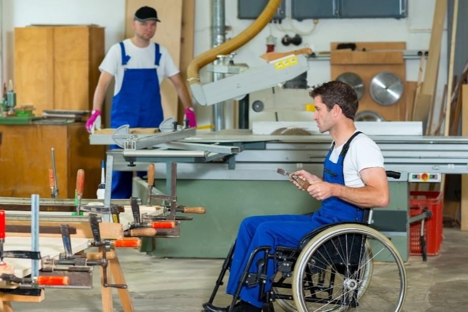 Депутат: введение квот на трудоустройство людей с инвалидностью обеспечит им равные права на рынке труда