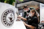 Теперь и в Бресте: А1 и «Инклюзивный бариста» откроют еще одну кофейню с сотрудниками-колясочниками