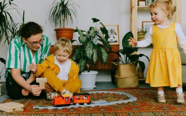 «Хочу видеть небо не только из окна собственной квартиры». В Беларуси разработали проект по подбору нянь для особенных детей